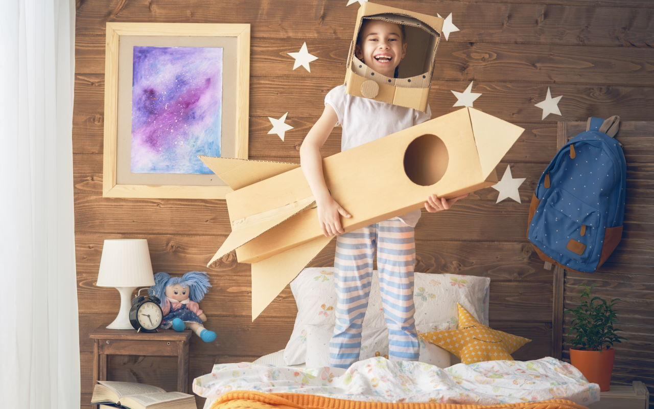 girl-in-an-astronaut-costume-PA8TKP7